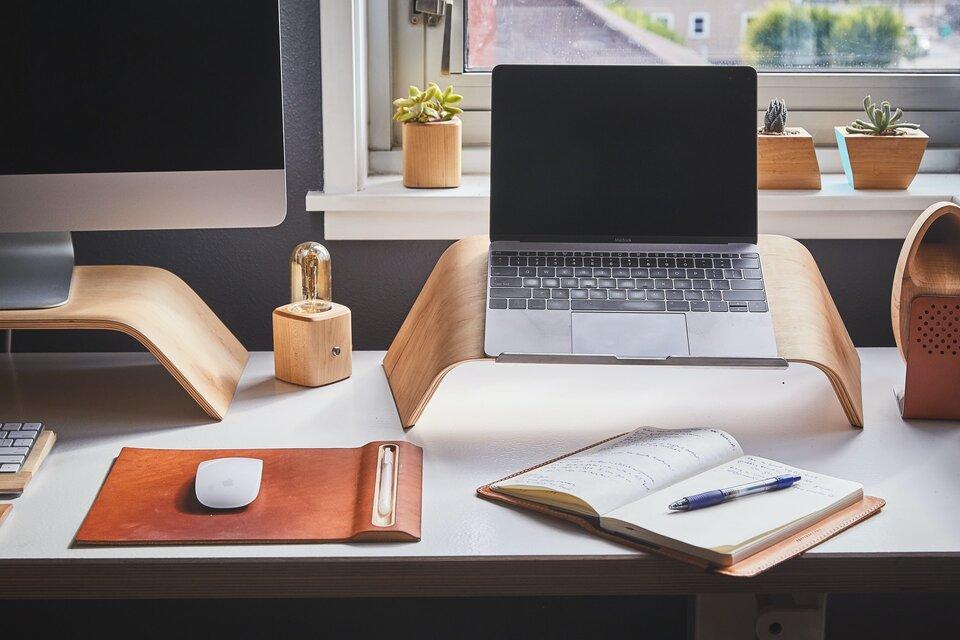 Pracując z domu, możesz wliczyć część kosztów mieszkaniowych w koszty firmy.
